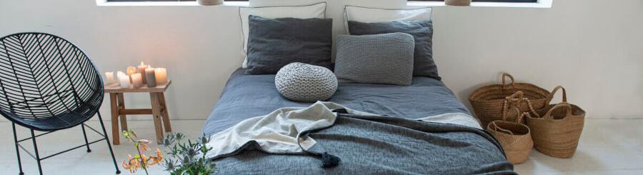 Tagesdecke mit Kissen