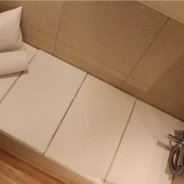abdeckung-fuer-badewanne-wannenauflagen-bad-lounger