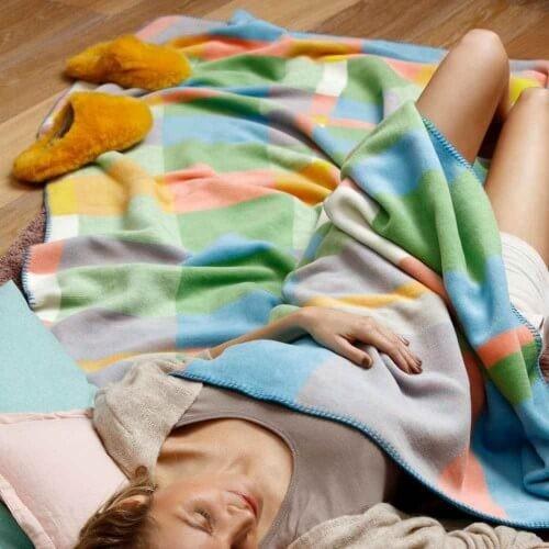 sofadecken-couchdecken-wohndecke-einkuscheln